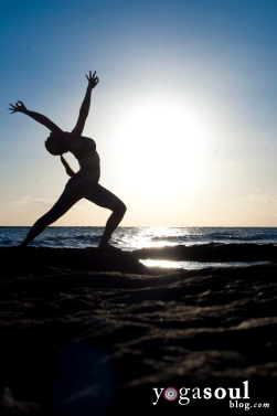 reverse_warrior_yoga_pose